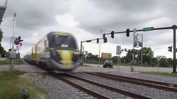 [TLMD - MIA] Conductor muere tras accidente contra tren