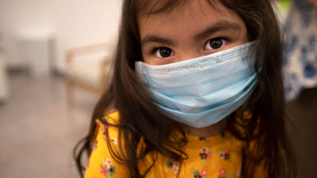 What the CDC recommends: Should children in schools continue to wear masks?