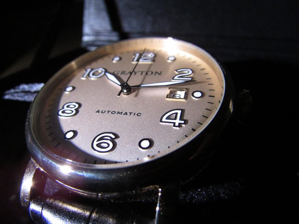 gros plan boitier grayton watches