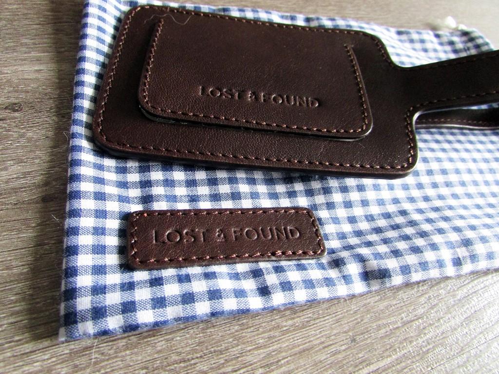 porte etiquette lost and found