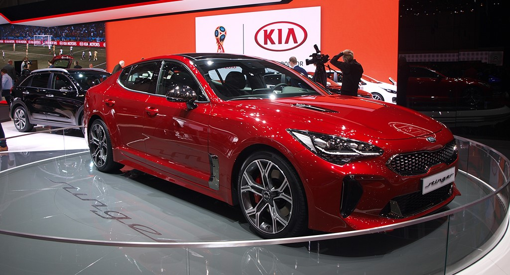 supercars Kia Stinger 2017