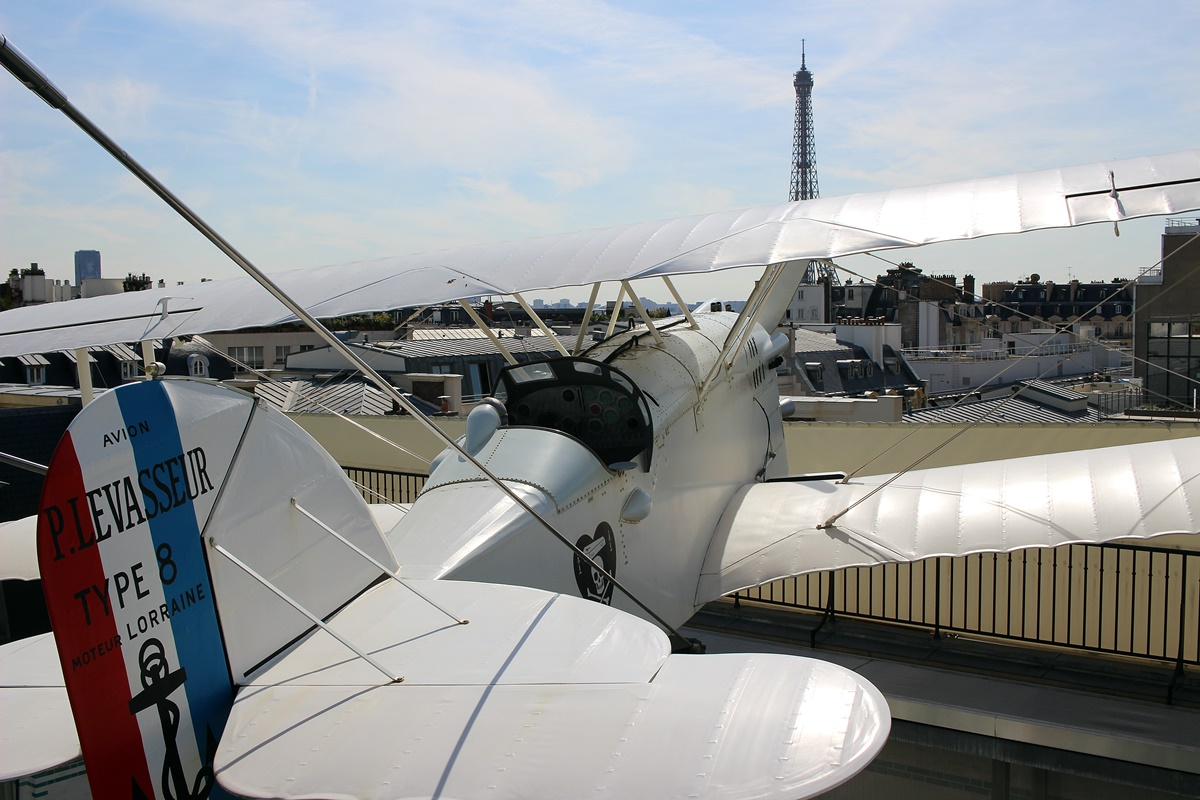 avion oiseau blanc hotel peninsula