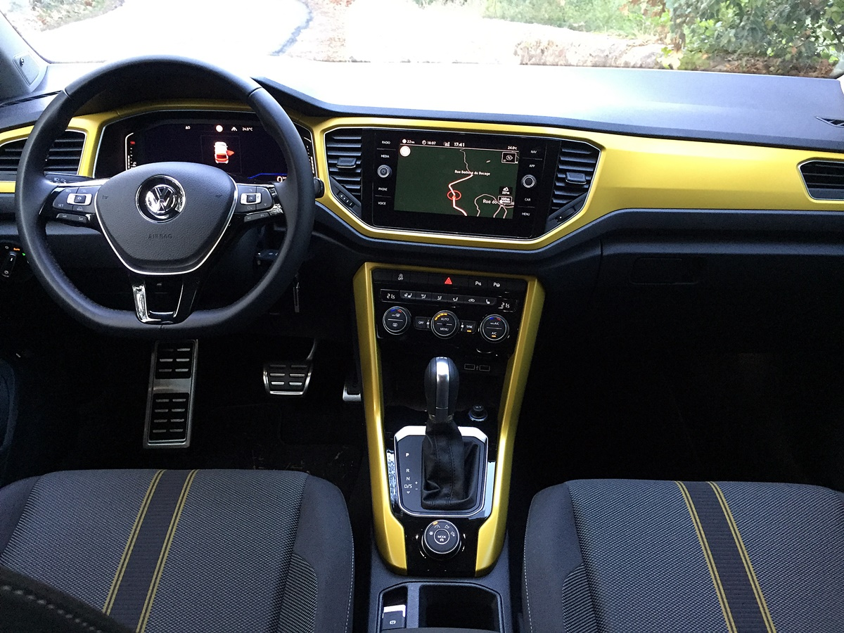 vw t-roc interieur finition lounge