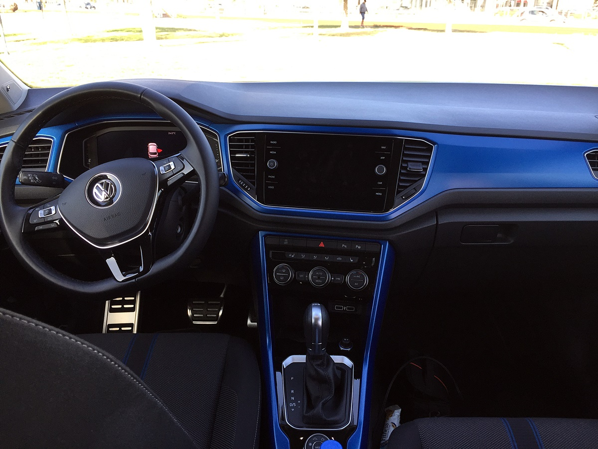 vw t-roc interieur lounge bleu