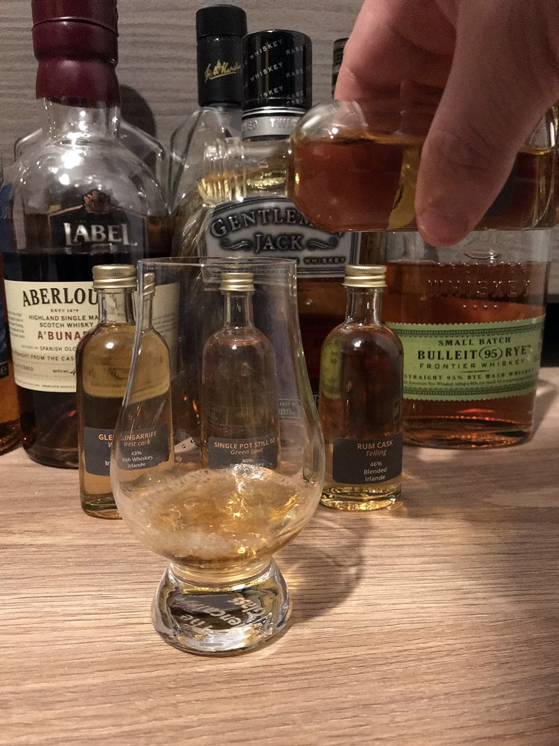mc blend whisky box