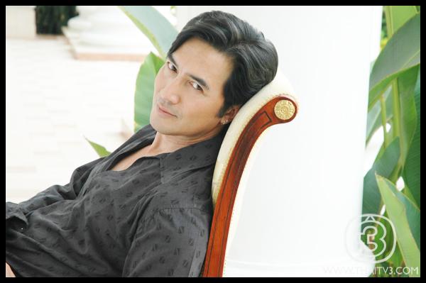 gallery-ฉัตรชัย เปล่งพานิช (นก)-thaitv3.com
