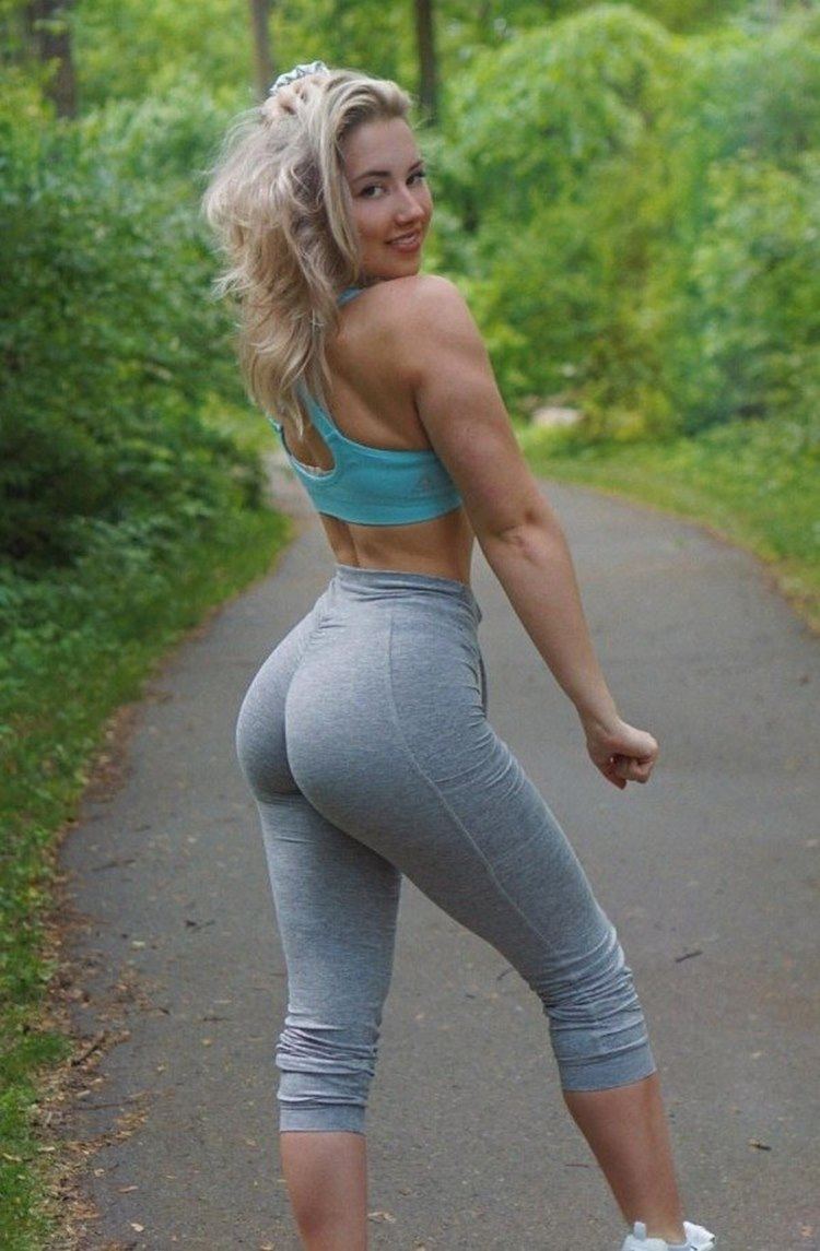 Yoga Pants Hotties To Inspire Your Health 25 Photos Top Sexy Models