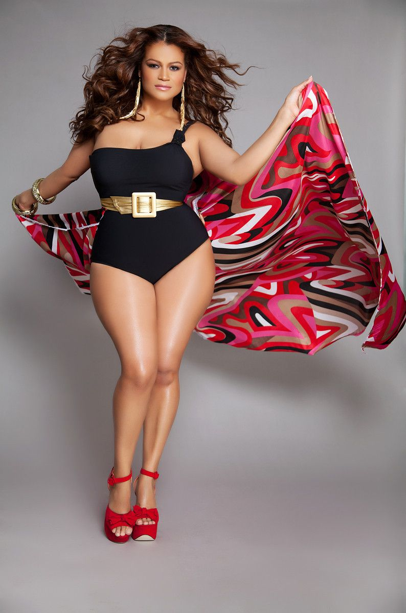 Latina Plus Size Pioneers: Christina Mendez