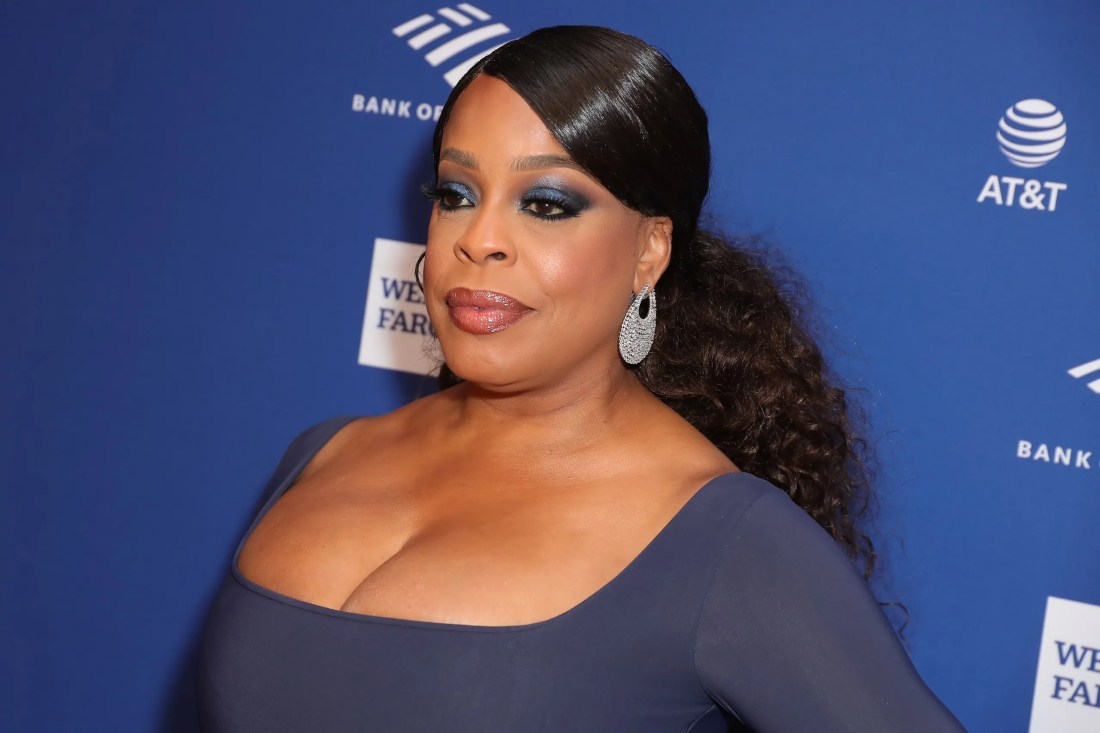 Niecy Nash Doesn't Feel the Need to Label Her Sexuality | them.