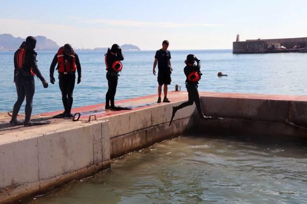 Bajo el agua no se admiten fallos: buceadores militares españoles, sacrificio y precisión en un entorno hostil 3