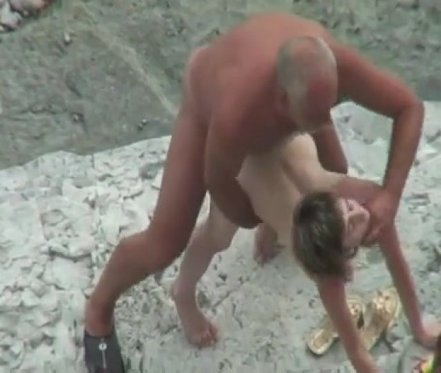 Skinny Girl Fucked By Thick Man At The Beach