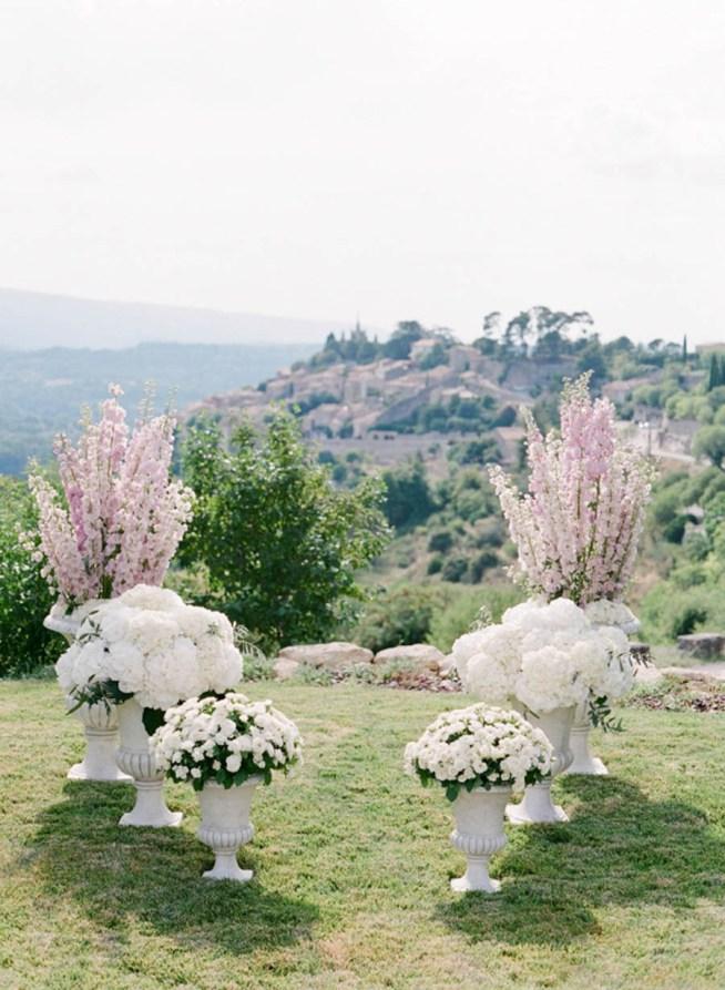 blommor till vigselplatsen