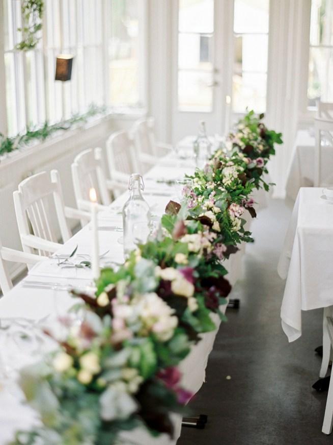 bordsgirlang till honnörsbordet med pioner the wild rose