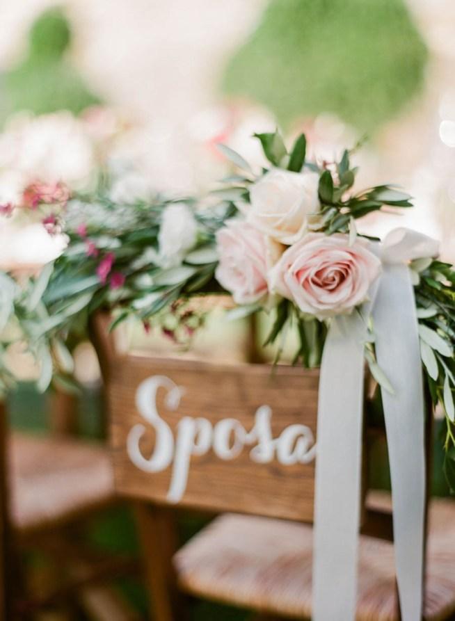 Dekorera en stol med blommor