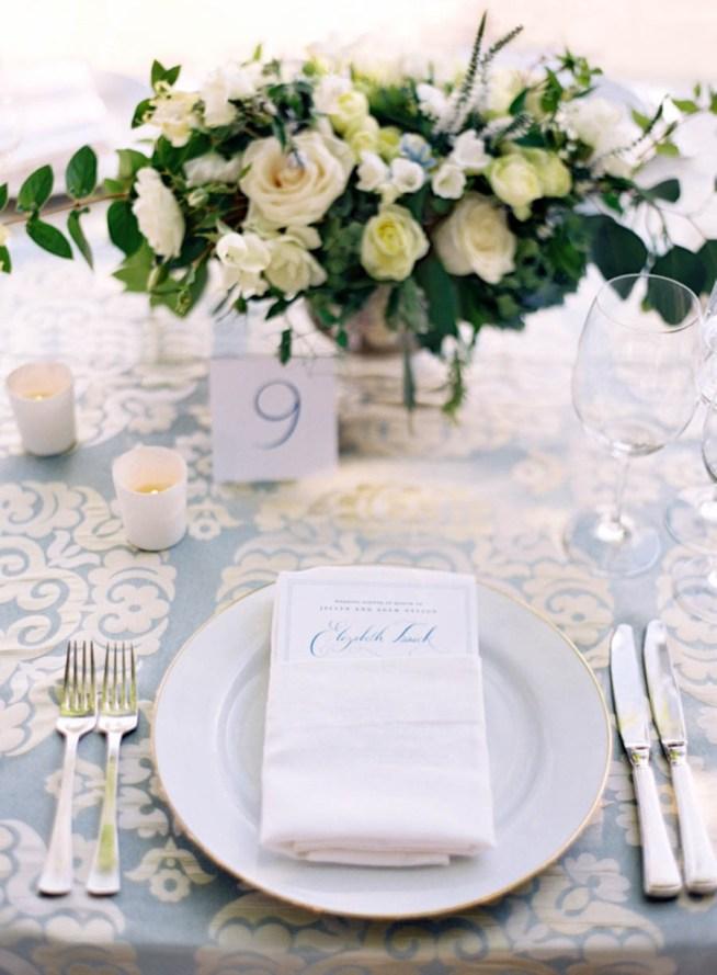 bröllopsdukning till ett klassiskt bröllop