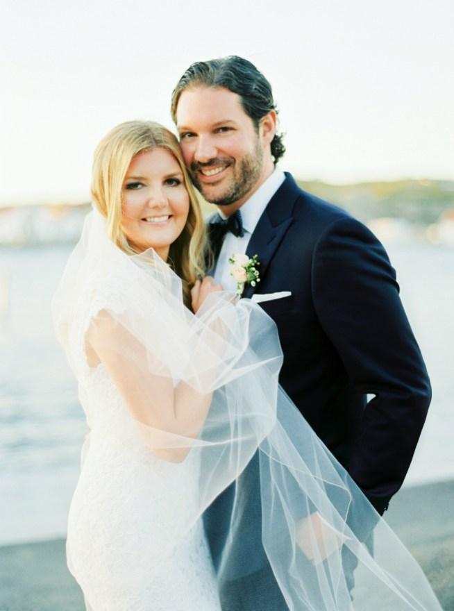 bröllopsporträtt vid havet alicia swedenborg