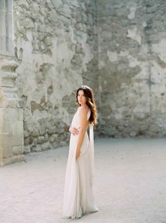 bröllopsinspiration brudklänning med bar rygg
