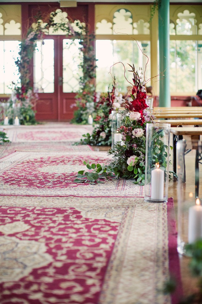 dekorera vigselplatsen med blommor av Linnéa Bergqvist the wild rose
