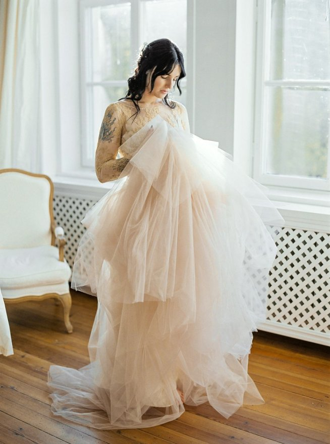 brudklänning i guld