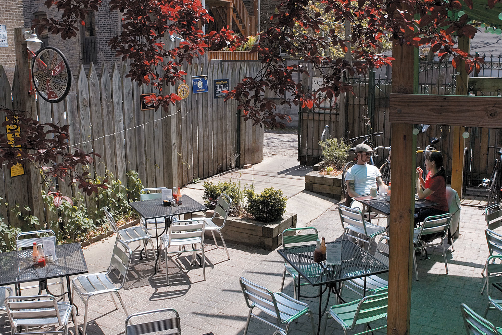 Best outdoor bars and patios in Chicago for alfresco drinking on Best Backyard Bars  id=68918