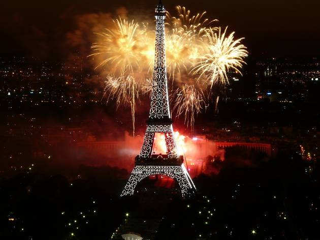 The Time Out guide to New Year s Eve in Paris 2016   Time Out Paris Possibly the most hyped up night of the year  getting New Year s Eve right  is an art  So whether you want to party until the dawn of 2017 in Paris or  feast