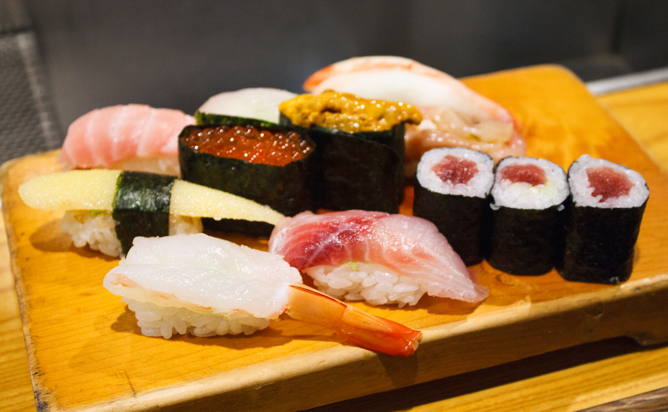 the best standing only sushi in tokyo