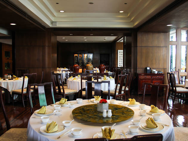 Man Ho Chinese Restaurant Restaurants In Phloen Chit