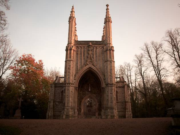 Nunhead Cemetery in autumn
