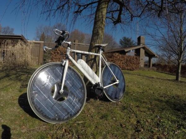 Hình ảnh Xe đạp điện đầu tiên chạy bằng năng lượng mặt trời số 4