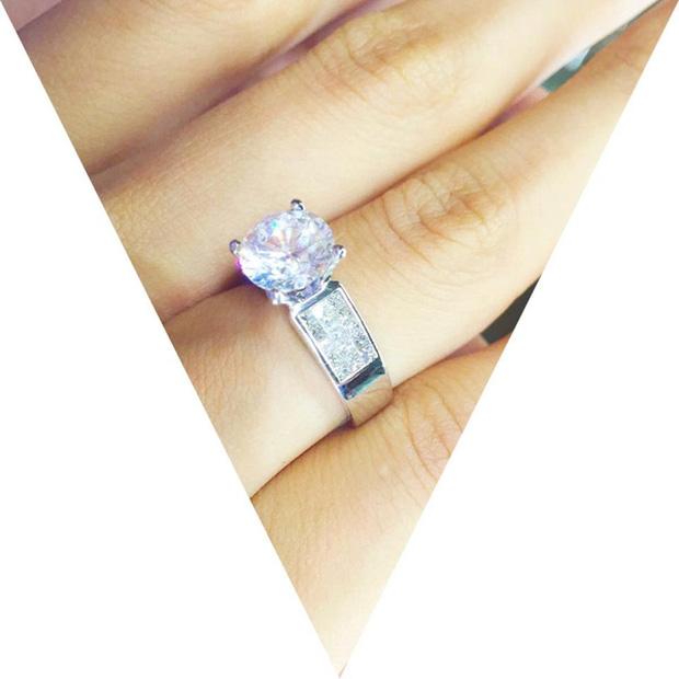 Hình ảnh So kè những chiếc nhẫn cưới có trị giá khủng của cặp đôi sao Việt số 12