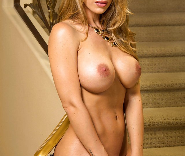 Nicole Aniston Beautiful American Blonde With Beautiful Nude Tight Hooters Xxx Pic
