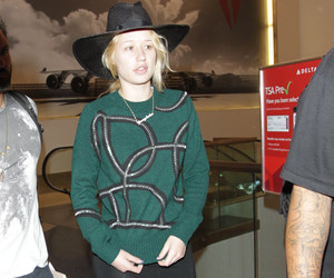 This Is What Robert Pattinson's New Girlfriend Looks Like In a Bikini