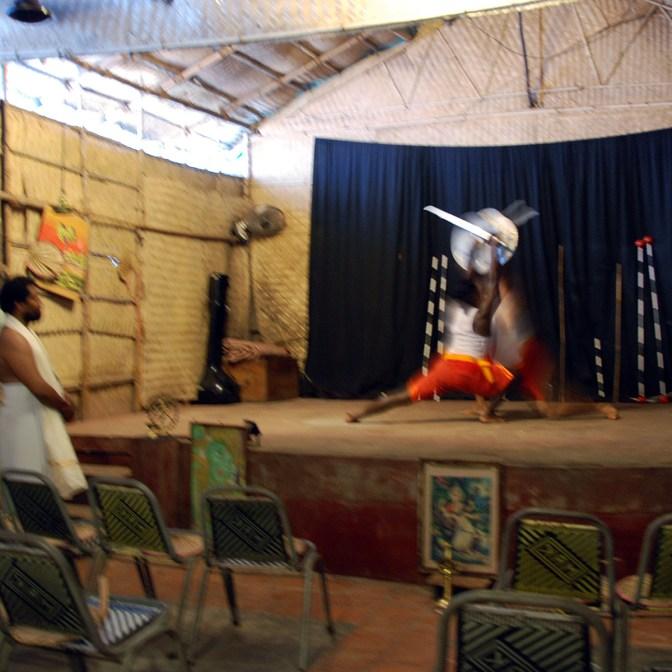suddig uppvisning av kampsporten kalarippayatt