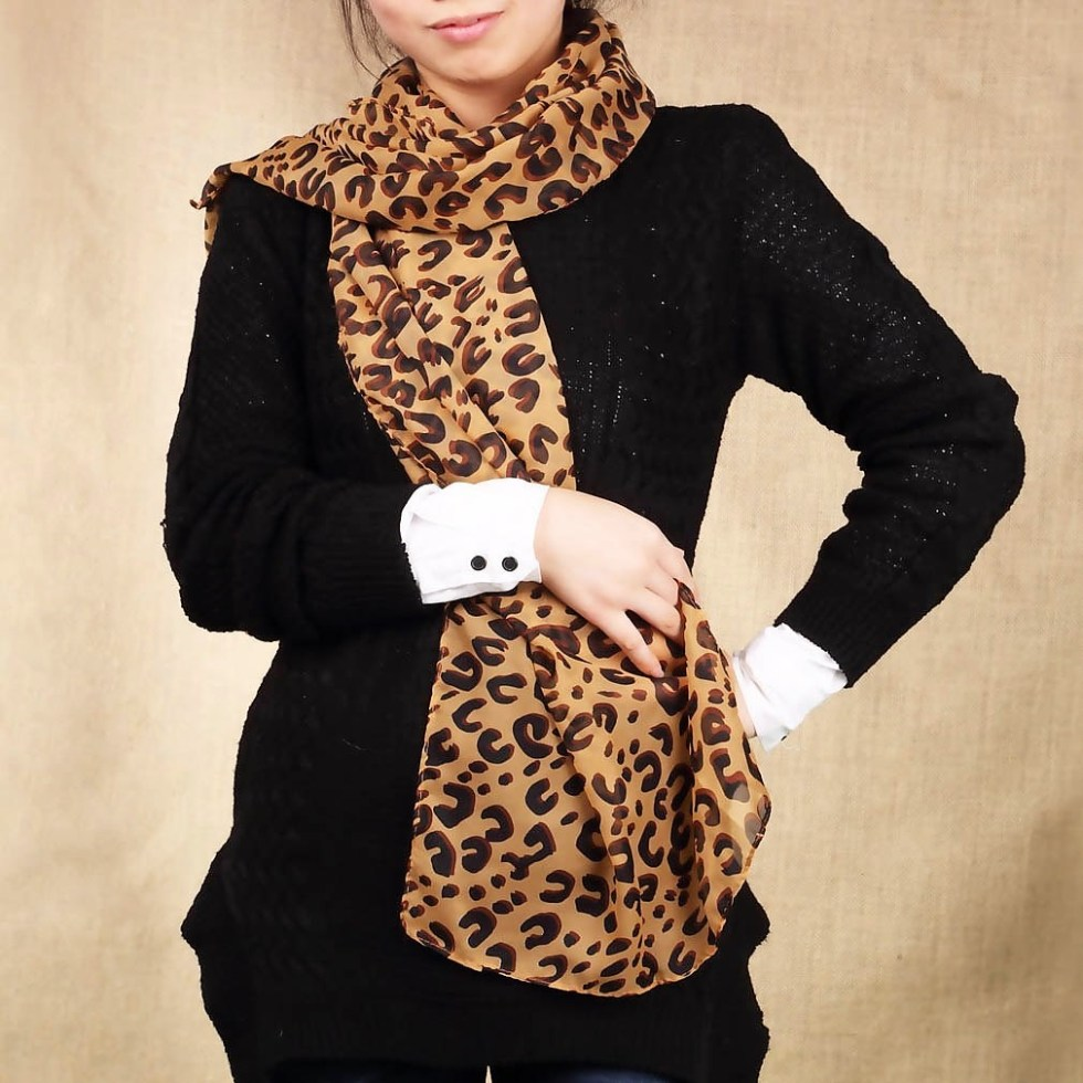 The Classic Leopard Scarf Brown