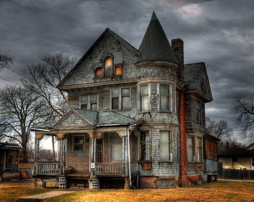 ghost hunting haunted houses