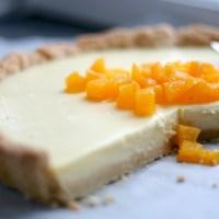 """Tærte med hvid chokolade og appelsin - sig """"appelsiiiin!""""… og ja, altså også """"hvid chokolade!"""""""