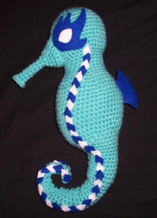 free amigurumi seahorse 1