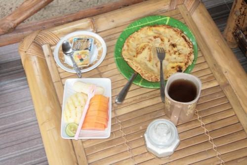 Délicieux petit-déjeuner du Sunset Paradise homestay à Gili Air