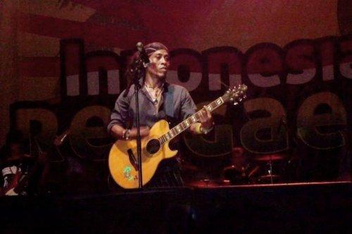 "Joe Mellow Mood - Indonesian reggae festival 2011 : ""One love, one heart"""