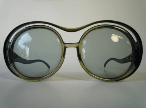 Make a Spectacle of Yourself (2/6)