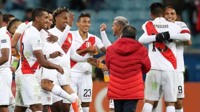 Perú superó a Chile y jugará la final