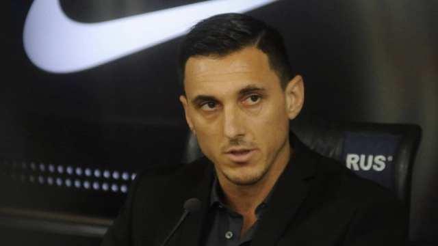 Burdisso: 'Los jugadores cumplen procesos, Pavón tendrá menos espacios y piensa en irse'