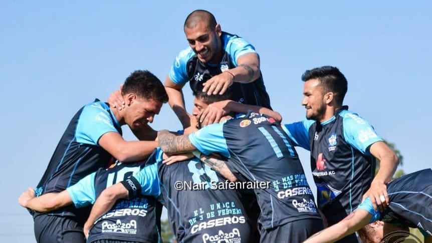 Godoy ha realizado un partido muy completo. Primera División B: J.J. Urquiza ganó y comparte la punta