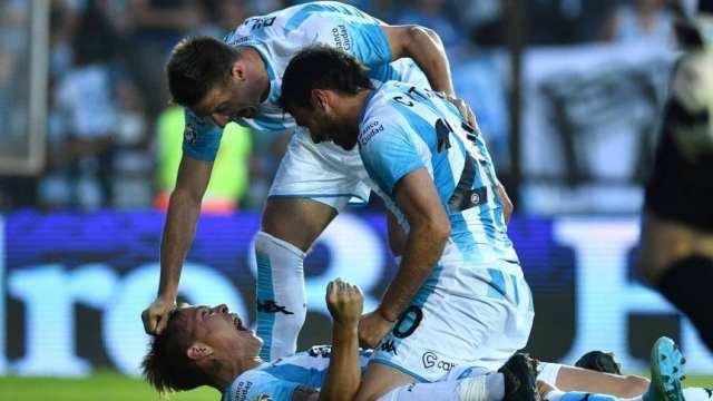 Racing fue más, le ganó a Huracán y se acercó a la cima de la Superliga