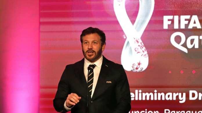 Domínguez expresa la necesidad del retorno del fútbol, pero priorizando la vida
