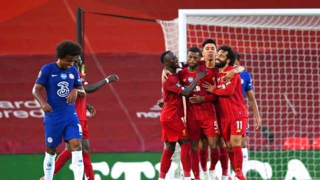 Fiesta afuera y partidazo adentro: Liverpool venció a Chelsea