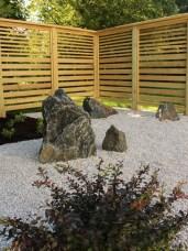 Specimen boulders within gravel