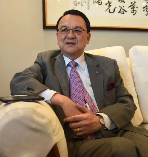 Jefe de misión. Diego L. Chou