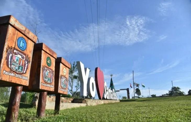Reciclaje. Basureros diferenciados para el tipo de basura se encuentran a lo largo de la ruta y en el centro del pueblo.