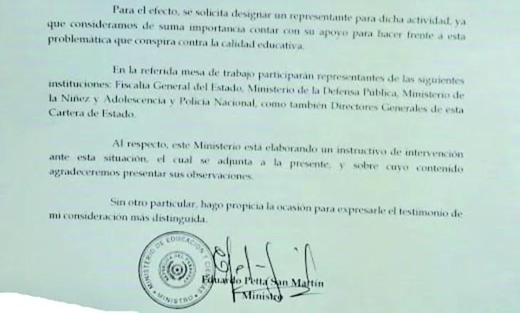 Petta se refiere a las tomas como conspiración contra la educación, en esta nota.